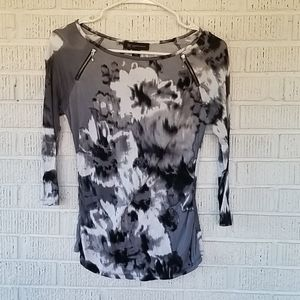 4/$25 ❤Black and white tie dye with zippers